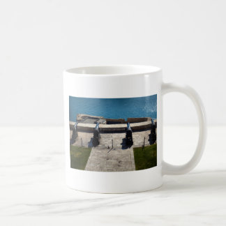 The saluting battery coffee mug