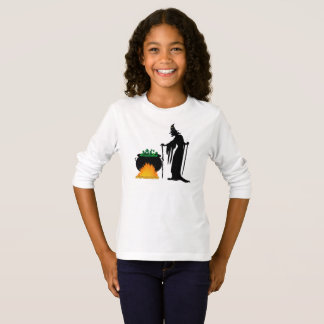 The sorceress and the cauldron T-Shirt