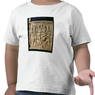 The submission of a barbarian to a Roman troop Tee Shirt