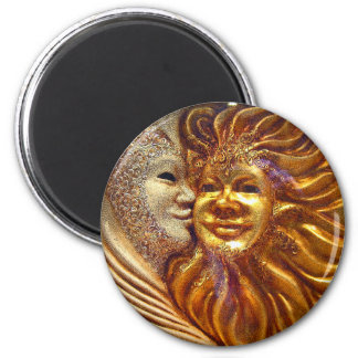 The Sun, The Moon, The Kiss 6 Cm Round Magnet