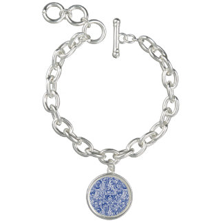 THE WEIMARANER AND THE BEE ROUND CHARM BRACELET