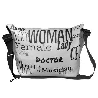 THE WOMAN MESSENGER BAG (L/black/black trim)