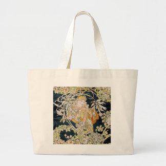 The woman who has miyushiya and hinagiku large tote bag