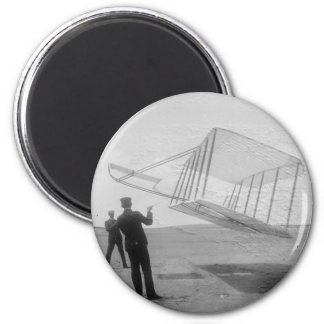 The Wright Brothers test flight 6 Cm Round Magnet