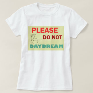 This basic t-shirt features a relaxed