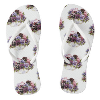 Thongs with the flower of thoughts in tones lilac