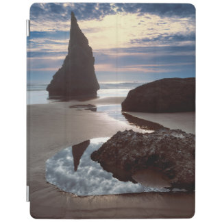 Thorn-Shaped seastack | Face Rock Wayside, OR iPad Cover