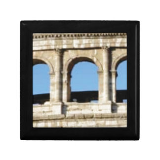 three arch wall gift box