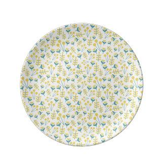 three flowers porcelain  plate