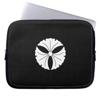 Three ginkgoes laptop sleeve