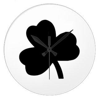 Three-Leaf Clover Clock