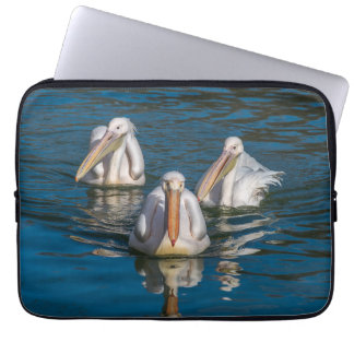 Three pelicans laptop sleeve