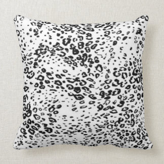 Throw Pillow/Leopard Cushion