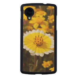 Tidy Tip Wildflowers Carved® Maple Nexus 5 Slim Case