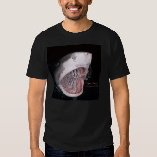 Tiger bite t T-Shirt