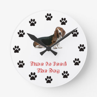 Time to feed the dog Basset Hound Wallclocks