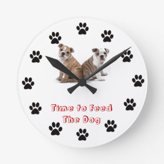 Time to feed the dog bulldog round wallclock