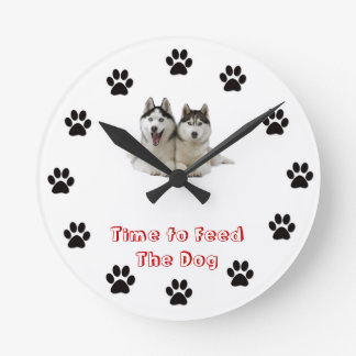 Time to feed the dog Siberian Husky Round Wallclock