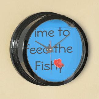 Time to feed the Fishy Aquavista Clock