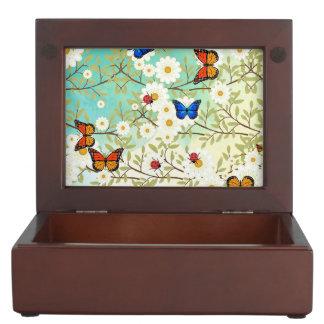 Tiny creatures keepsake box