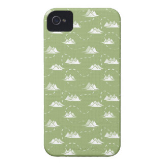 Tiny Mountains Trail GREEN-WHITE Pattern iPhone 4 Case