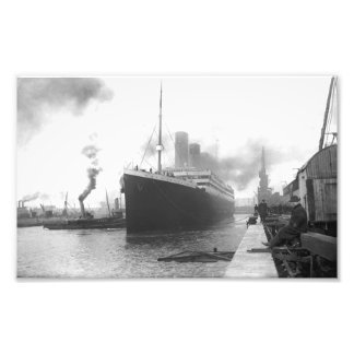 Titanic at the docks of Southampton Photo Art