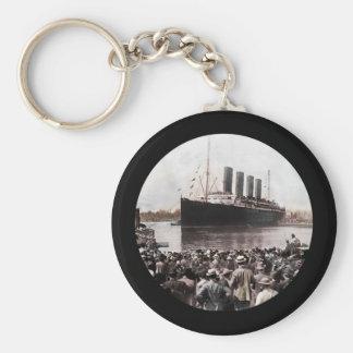 Titanic Leaving Southhampton Key Ring