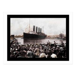 Titanic Leaving Southhampton Postcard