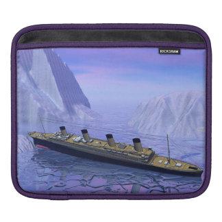 Titanic ship sinking - 3D render iPad Sleeve