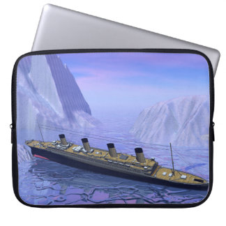 Titanic ship sinking - 3D render Laptop Sleeve