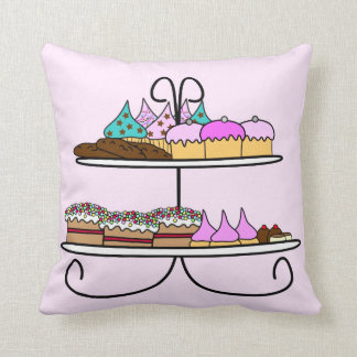 To kiss cup cake and taartjes throw pillow