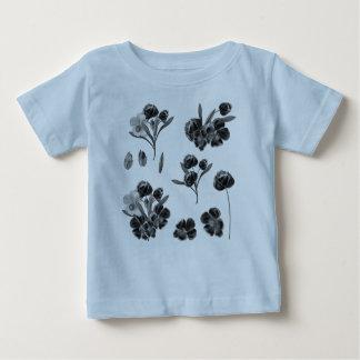 Toddler tshirt with folk flowers