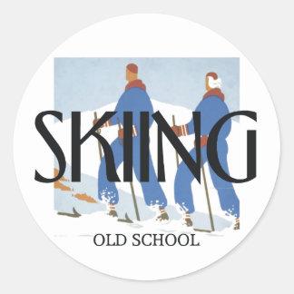TOP Skiing Round Sticker