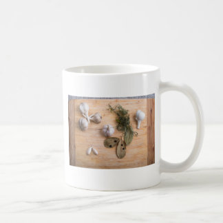 Top view of the garlic and dried spices coffee mug