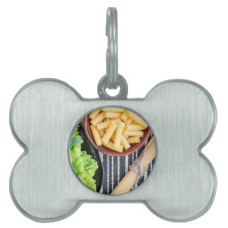 Top view of the spaghetti, pasta and lettuce pet name tag