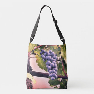 Tote bag with image of purple grapes