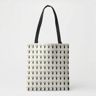 Toucan bird pattern tote bag