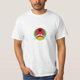 tourism yaws-Bissau beautiful waters T-shirts