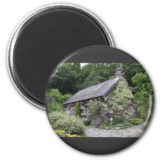 Tourist Attraction In Wales Ugly House 6 Cm Round Magnet