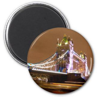 Tower Bridge Evening 6 Cm Round Magnet