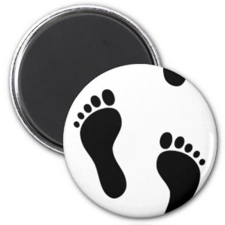 Track of feet 6 cm round magnet