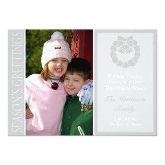 Traditional Season's Greetings Wreath Card Silver 13 Cm X 18 Cm Invitation Card