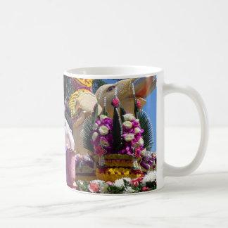 Traditional Thai Flower Sculptures Coffee Mug