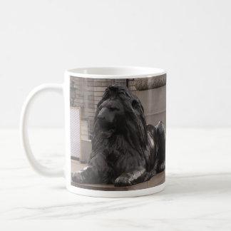 Trafalgar Square Lion Basic White Mug