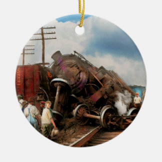 Train - Accident - Butting heads 1922 Ceramic Ornament