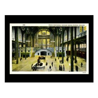 Train Concourse, Chicago Union Station - Vintage Postcard