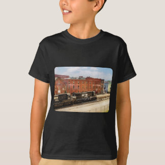 Train - Now Arriving in Roanoke Virginia T-Shirt
