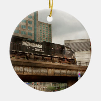 Train - Pittsburg Pa - The industrial city Round Ceramic Decoration