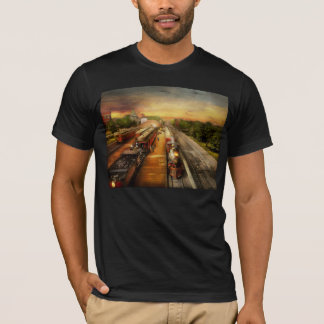 Train Station - The romance of the rails 1908 T-Shirt