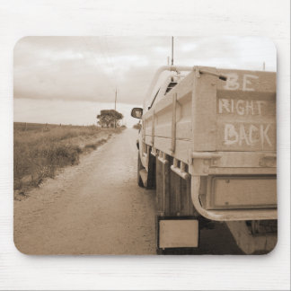Travel be right back landscape dirt road sky ute mouse pad